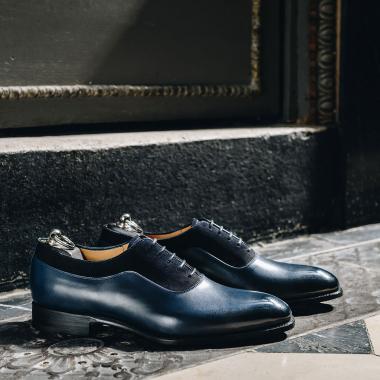 Otavio est une valeur sûre. Ce richelieu bi matière sublimera vos tenues et se portera aussi bien pour aller au bureau que pour les grandes occasions.  Venez le découvrir en boutiques et sur l'eshop.   #emling #menstyle #stylishmenswear #elegant #elegantshoes #leathershoesmen #dandyshoes #bestofmenstyle #classicshoes #menshoes #chaussures #souliers #urbanstyle
