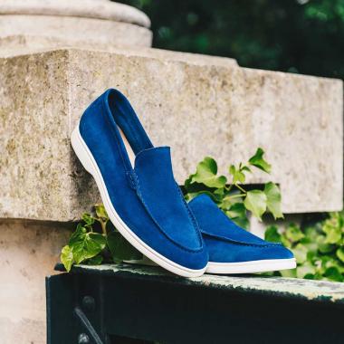 Encore plus de soldes ! Profitez de remises supplémentaires sur les indispensables de l'été de la collection Urban Chic :   -10% supplémentaires dès 2 paires achetées    -20% supplémentaires dès 3 paires achetées  Offre valable en boutiques et sur l'eshop jusqu'au 15 juillet 2021.   Livraison offerte en France métropolitaine.   #emling #menstyle #stylishmenswear #elegant #elegantshoes #leathershoesmen #dandyshoes #bestofmenstyle #classicshoes #menshoes #chaussures #souliers #urbanstyle
