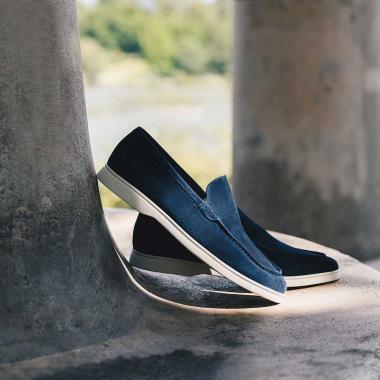 Pas de temps à perdre, rendez-vous sur l'eshop et en boutiques pour profiter des SOLDES !  Livraison offerte en France métropolitaine.   #emling #menstyle #stylishmenswear #elegant #elegantshoes #leathershoesmen #dandyshoes #bestofmenstyle #classicshoes #menshoes #chaussures #souliers #urbanstyle