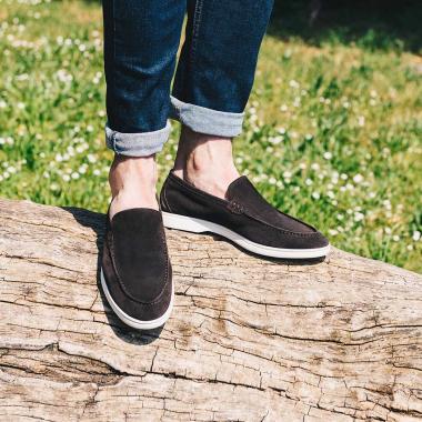 Ne loupez pas les soldes EMLING et offrez-vous les plus beaux modèles de la saison à prix exceptionnels (livraison offerte en France métropolitaine).   #emling #menstyle #stylishmenswear #elegant #elegantshoes #leathershoesmen #dandyshoes #bestofmenstyle #classicshoes #menshoes #chaussures #souliers #urbanstyle